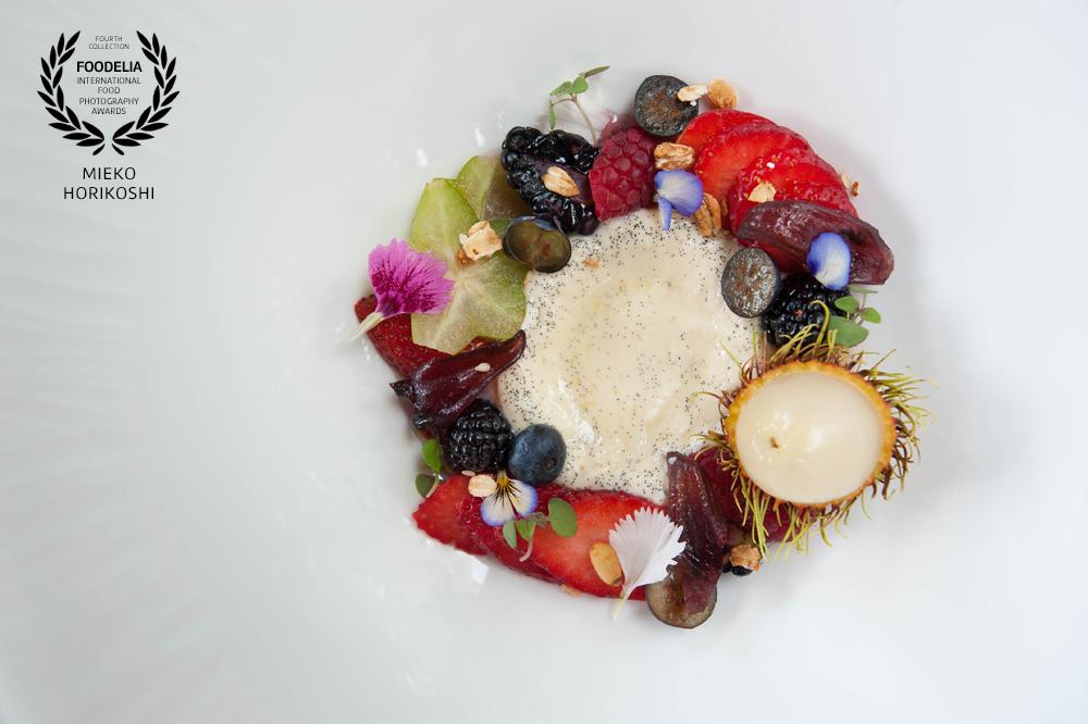 Dessert, Strawberry, Star Fruits, Wild Berries, Rambutan, Vanilla Cream, Fresh, Beautiful